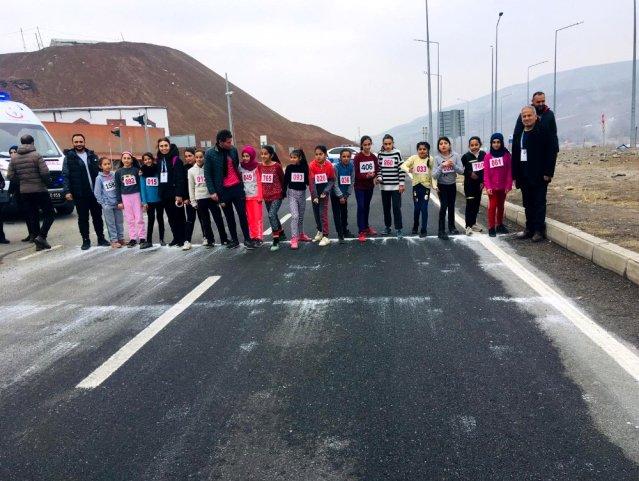 Iğdır'da okullararası Atletizm Yarışması düzenlendi