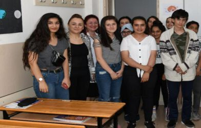 Milli Eğitim Müdürü Hakan Gönen LGS Girecek Öğrencilere Başarı Diledi